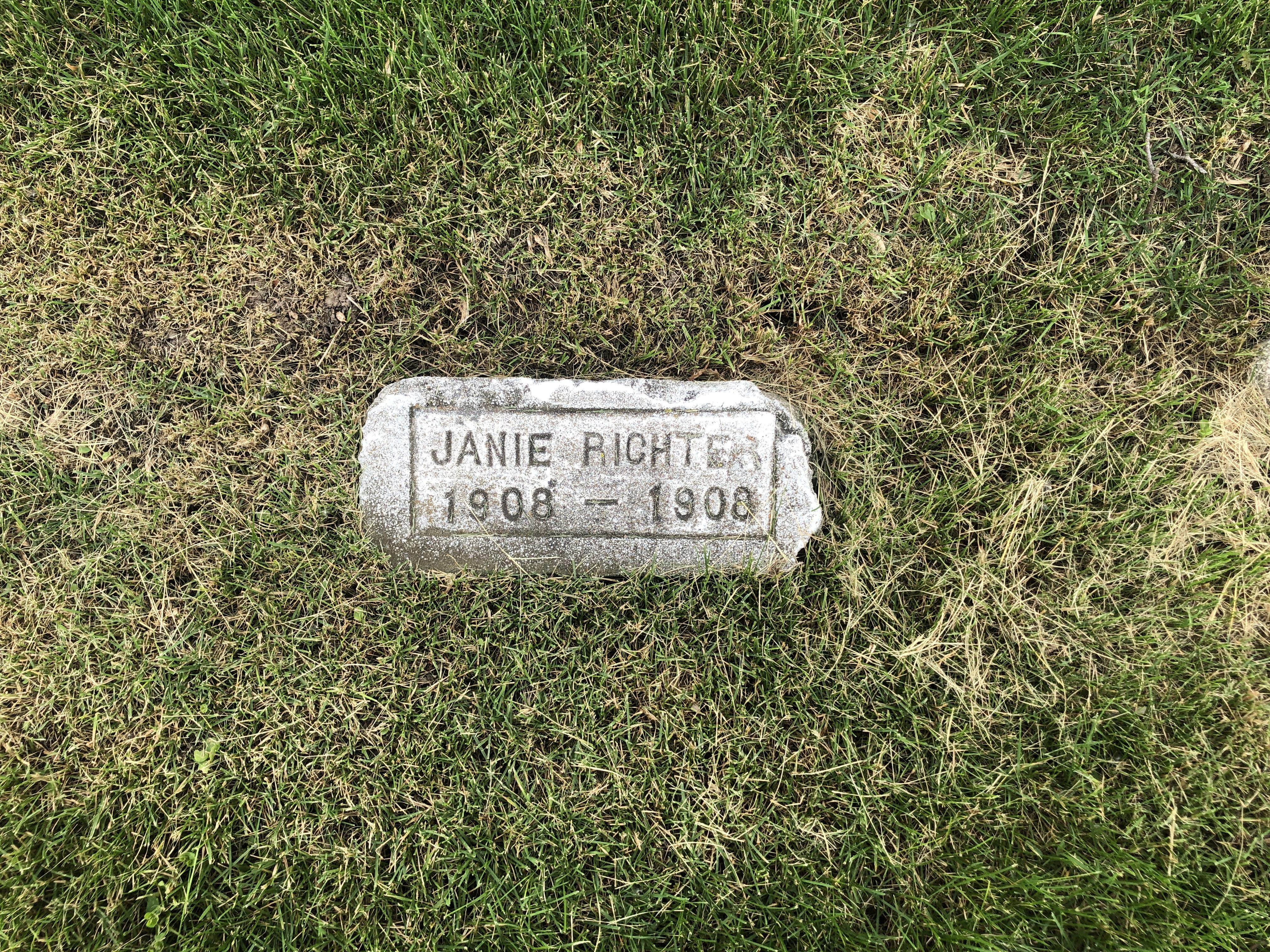 Janie Richter Headstone