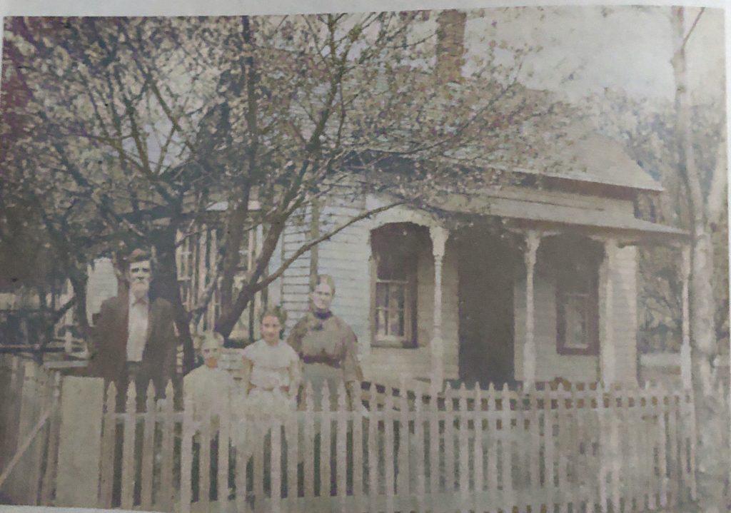 John and Nancy Smith and Grandchildren