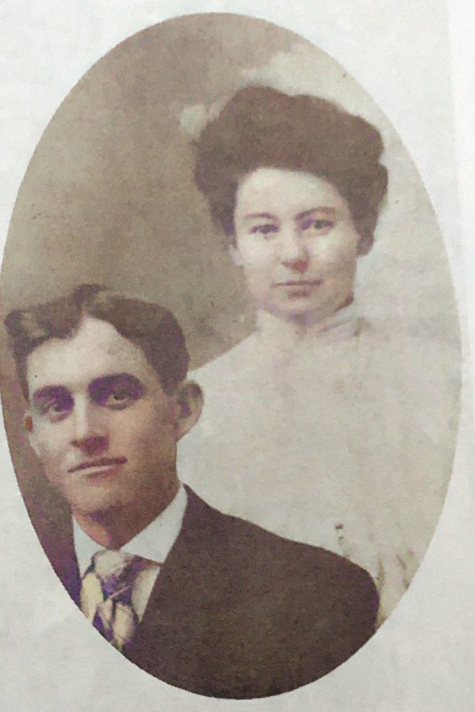 Clarence G and Nell Oakwood