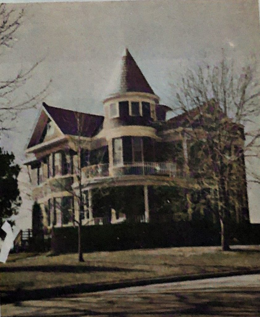 Built by Wilbert Green in 1909