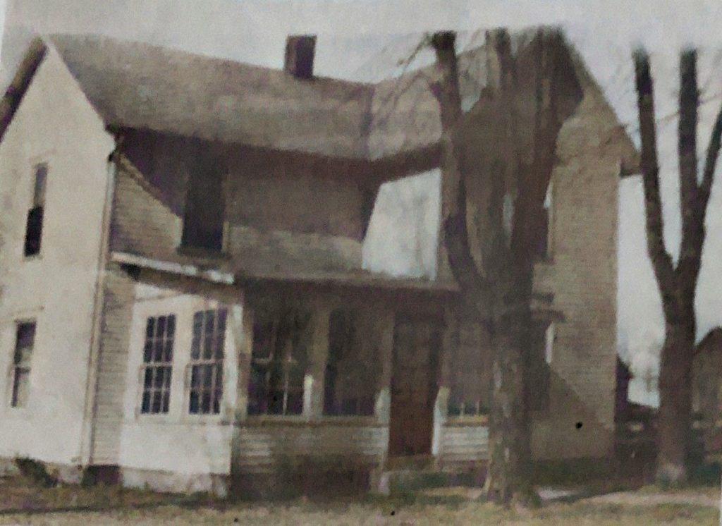 CJ and Nelle Oakwood Farm House