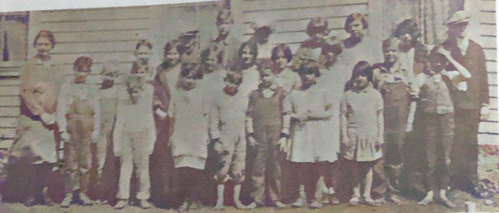 Newtown School -1928-1929 - Last day of school.